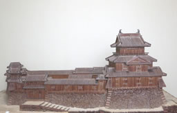 鯱、奥河内の延命寺を火災から守る【葉隠の美】